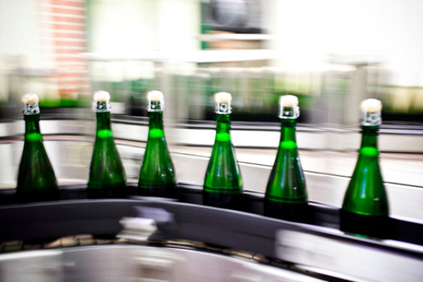 champagne, greener bottle, carbom emissions, eco design, green design