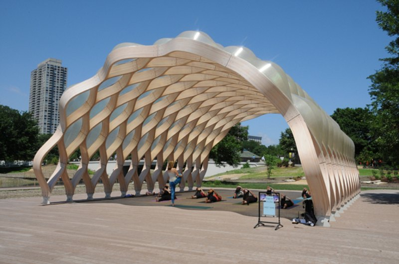 Studio Gang S Curvaceious Wood Pavilion At Chicago S