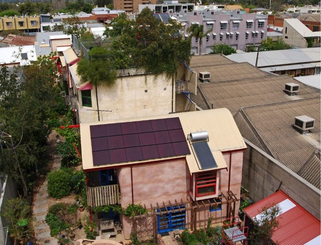 rainwater collection, rooftop garden, straw bail cottage,Urban Ecology Australia, Ecopolis architects, Green Building, Australia green building, Adelaide green building, ecotown, eco development, green urban living,
