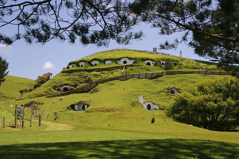 hobbiton, new zealand, lord of the rings, underground home, earthen home, green design