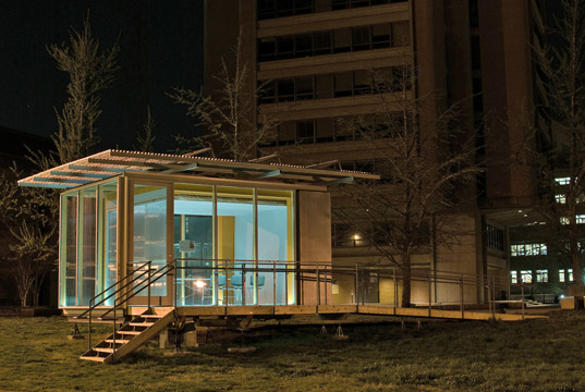 University of Tennessee Students Build a Zero Energy House