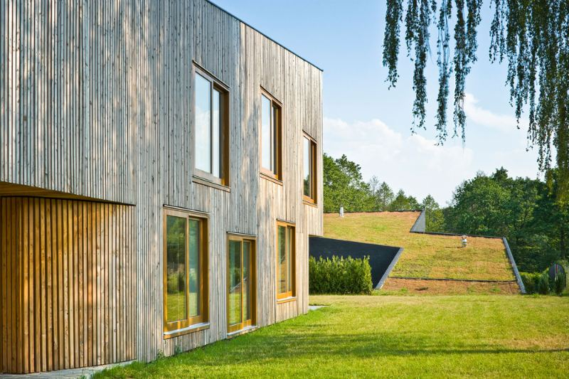 Modern Green Roofed Homes Blend Into Polands Countryside - Smart-modern-residence-in-poland