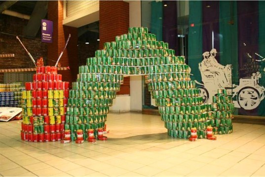Canstruction Amazing Sculptures Made From Canned Goods