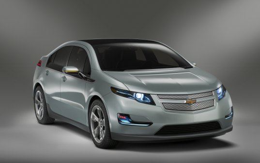 Chevy Volt Crowned 2011 Green Car of the Year at LA Auto Show!