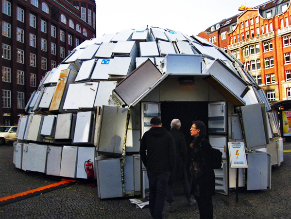 neo dada, energy awareness, Ralf Schmerberg, Hamburg Art installation, green art, energy waste
