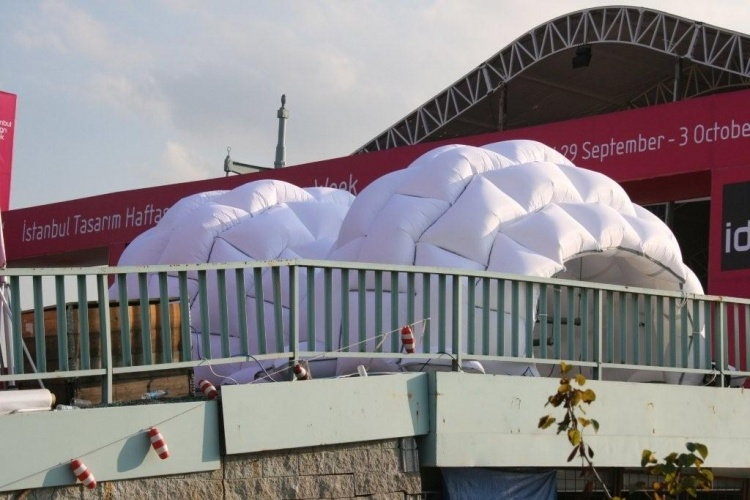 nflatable gallery, prefab building, inflatable shelter, Lamber Kamps, Pnomotic tube light
