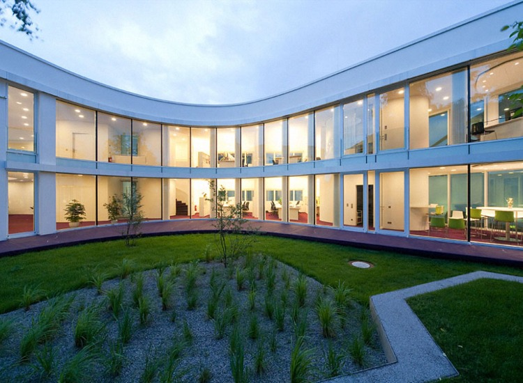 curved glass windows, passive solar, capillary mat, lifecycle cost analysis,DGNB sustainable certificate program,Gerd Priebe Architect, German green building,