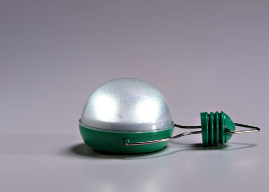 nokero, solar light bulb, solar power, green design, green gadgets, green innovation, eco design, sustainable design, world's only solar light bulb