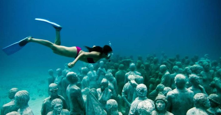 Artist Jason deCaires Taylor Builds an Incredible Coral Reef from
