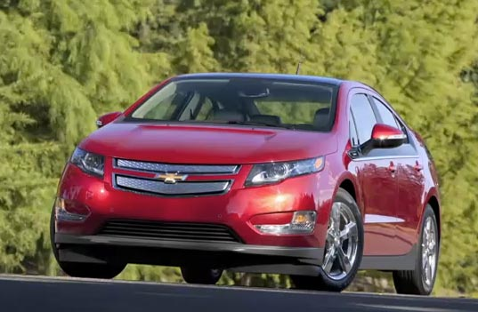 chevrolet volt, nissan leaf, chevy volt, sustainable design, green design, green transportation, electric car, eco automotive, electric vehicle, alternative transportation