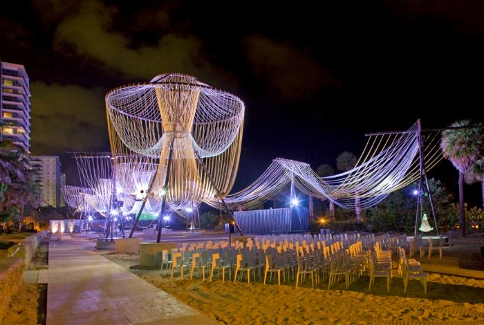 exhale pavilion, rachely rotem, phu hoang, art basel miami beach, art installation, glowing ropes