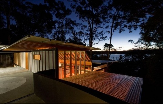 hilltop house, richard cole architecture, rainwater collection, site sensitive home, green building, sustainable architecture