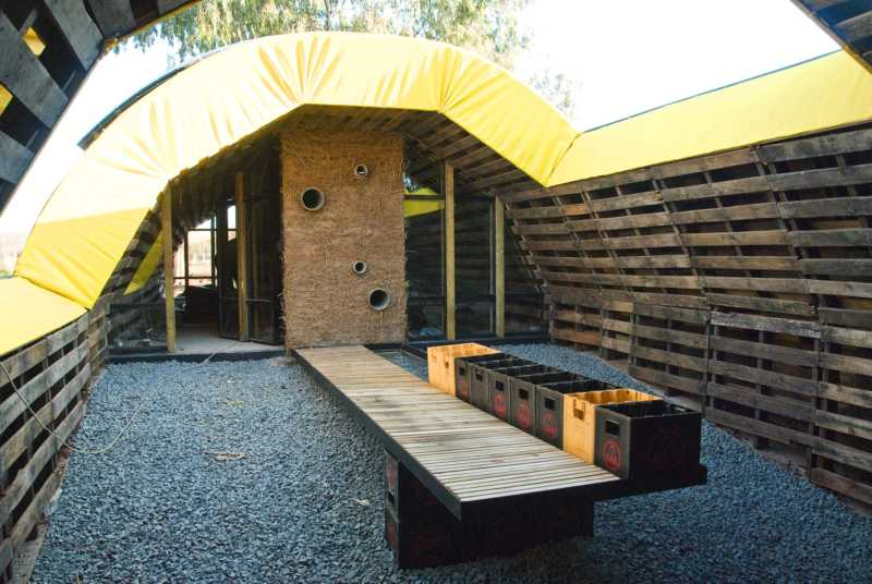 slumtube, pallet house, palettenhaus, affordable housing, shipping pallets, green design, sustainable architecture