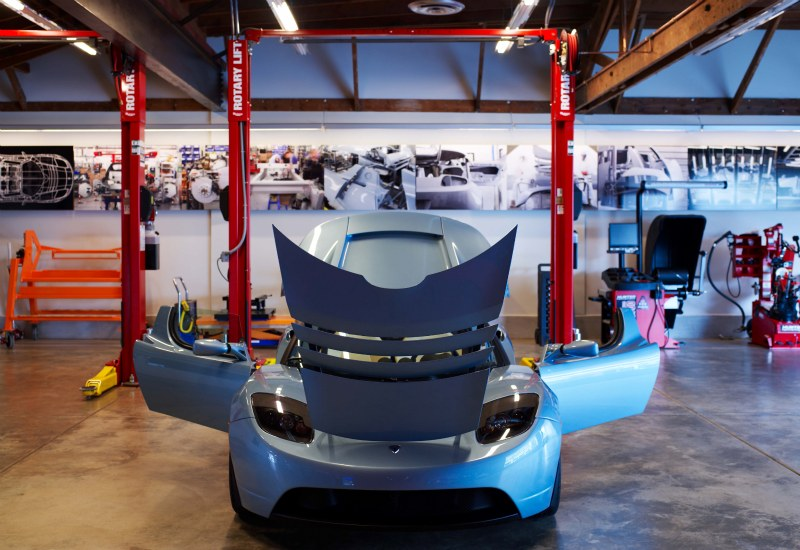 tesla motors, tesla, tesla showroom, LA, electric vehicle, CCS architecture, green architecture, sustainable architecture