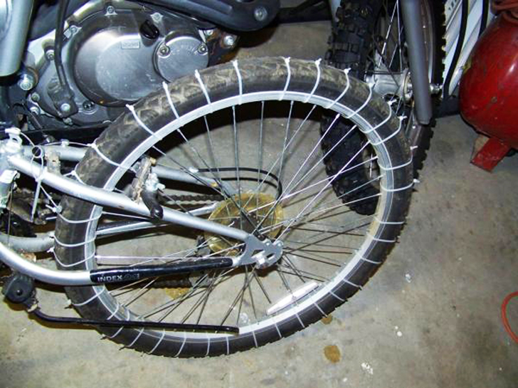 f6e06ba17fe7 Make snow tires for your bike with zip ties!