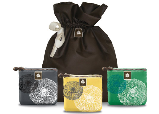 Reusable Gift Bags Help You Ditch Giftwrap Innovation
