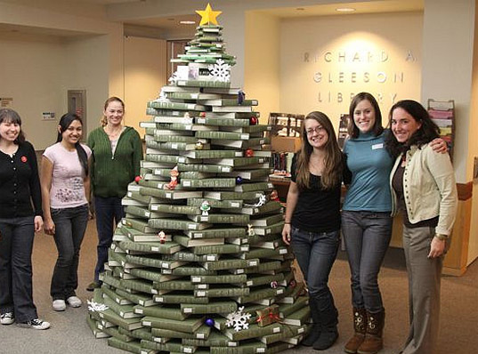 holiday tree, christmas tree, eco christmas tree, green christmas tree, recycled materials, recycled christmas tree, book christmas tree, christmas tree made of books, library book tree, gleeson library, san francisco, green design, eco design, sustainable design