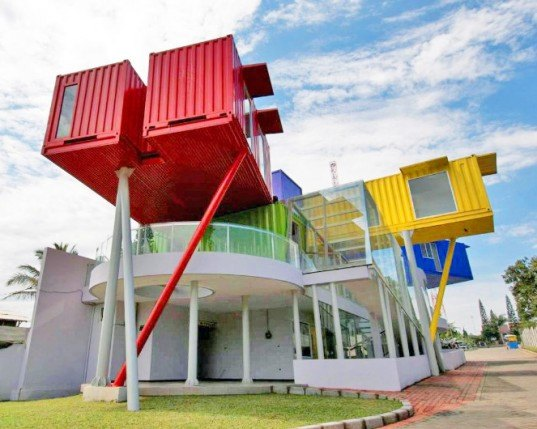 contertainer, dpavilion architects, shipping container library, shipping container health clinic, green building, sustainable architecture, cargotecture