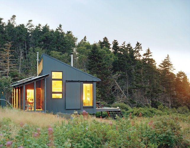 Tiny Off-Grid Cabin in Maine is Completely Self-Sustaining ...
