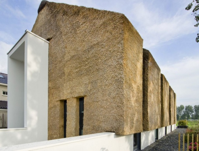 Modern Dutch Thatch House Links With The Past Inhabitat