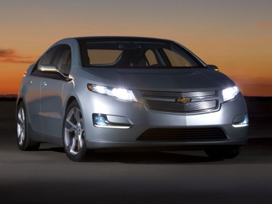 chevy volt parts made from 100 000 pounds of gulf oil booms inhabitat green design. Black Bedroom Furniture Sets. Home Design Ideas