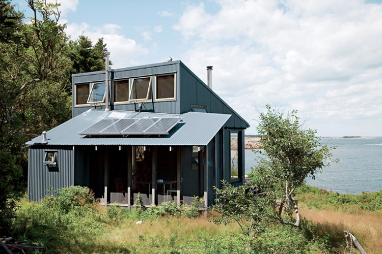 Self Sustaining Homes tiny off-grid cabin in maine is completely self-sustaining