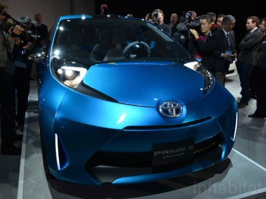 Prius Concept Vehicle, toyota prius c, hybrid car, hybrid vehicle, sustainable design, green design, toyota sustainable motor, electric vehicle