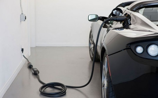 electric car, charge electric car, electric vehicle, electric vehicle charge, how to charge an electric car, how to get your car to charge faster, how to get your vehicle to charge faster, lithium ion batteries, electric vehicle batteries, electric car batteries