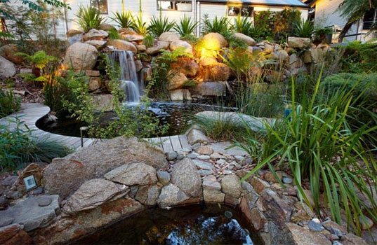 Billabong Natural Swimming Pools Employ Mother Nature to Keep Water Clean