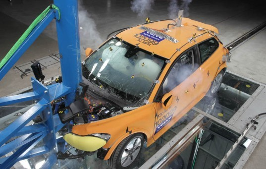 safe electric vehicles, crash tested c30 electric vehicle, crash tested volvo c30 electric car, volvo c30 electric car, volvo crash tested electric car detroit auto show, detroit auto show, volvo c30 electric car detroit auto show, volvo detroit auto show,
