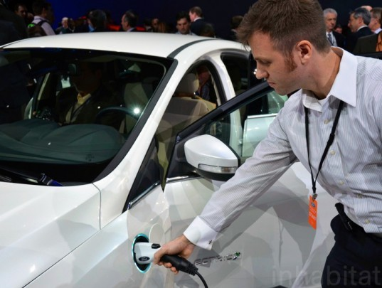 electric vehicles, president obama, tax rebates, electric cars, electric car rebate, state of the union, plug-in cars, obama tax rebates, plug-in vehicles, charging infrastructure