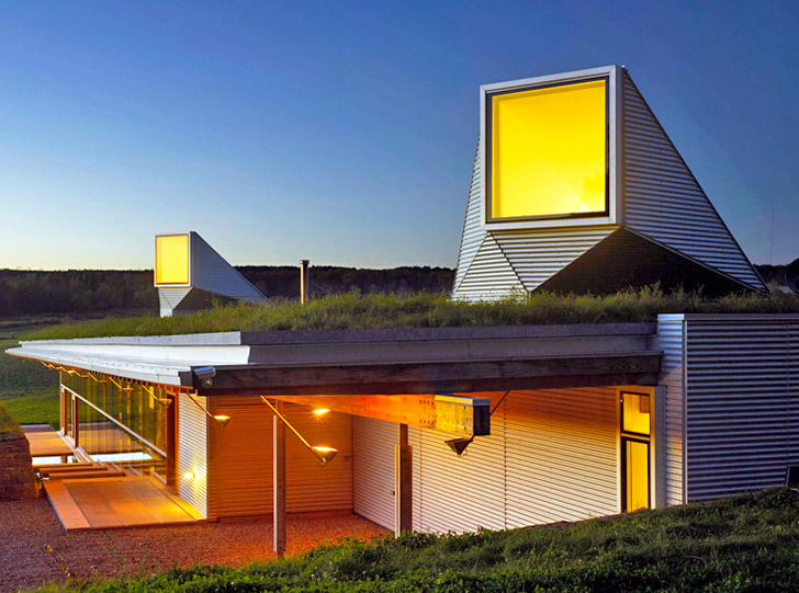 Ian MacDonald\'s Meadow House Melts Into the Canadian Landscape ...