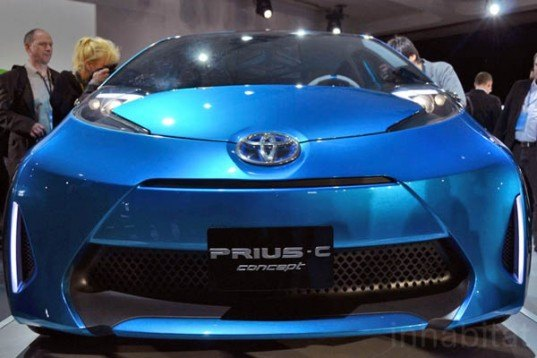 toyota magnesium battery, toyota prius, toyota electric car, new electric car battery, magnesium sulfur battery, electric vehicles