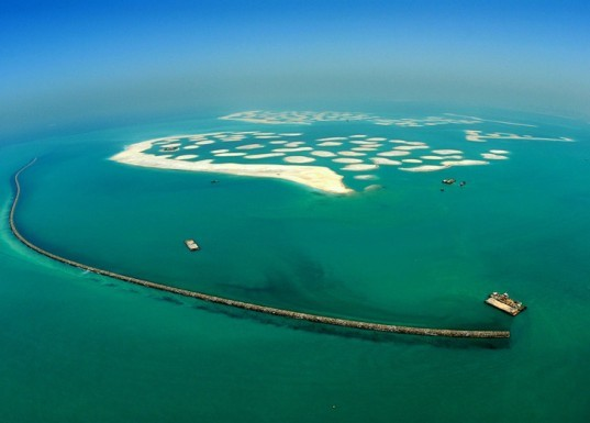 dubai islands sinking. the world islands, nakheel,