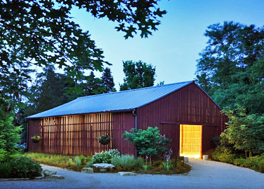 Tobacco barn transformed into visitor center for botanical for Tobacco barn house plans