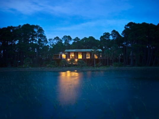 Cusabo Island Cabin, disaster proof design, prefab, steel, south carolina, woollen studio, ecosteel