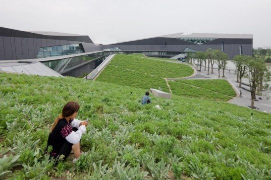 Giant Interactive, Shanghai green building, green roof, china green building, daylight, green corporate campus, eco campus, sustainable corporate campus, Morphosis Architecture,