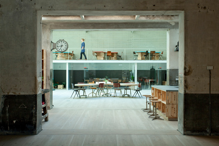 Ch Qs Architects Renovates Madrid Garage Into Shared Office Space