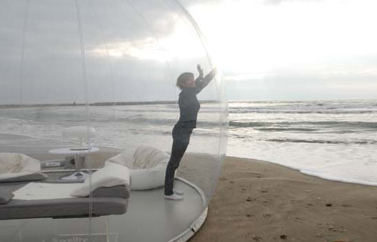 bubbletree, bubble tree, modular home, modular architecture, inflatable shelter, bubble tent, bubble tent, bubble architecture, prefab architecture, eco architecture, green architecture, green design, eco design, sustainable design, bubble shelter, bubble hut, bubble room, prefabricated housing, prefab