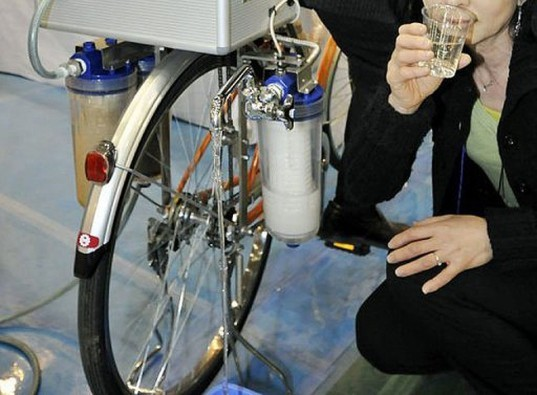 water purifying system, clean water, water purifying systems, water purifying bike, disaster relief, cycloclean nippon basic, gree bikes, clean water through exercise