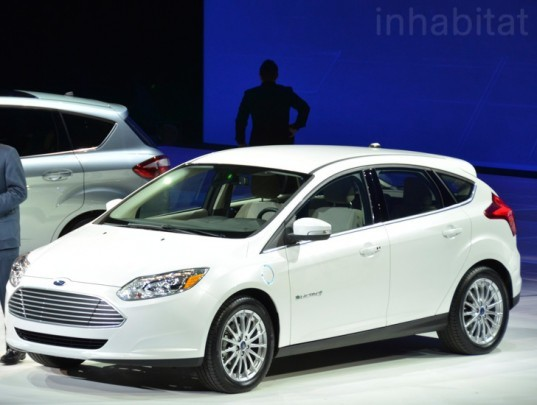 ford focus, ford, electric car, electric vehicle, AT&T, AT&T ford, AT&T wireless, ford wireless network, smart phones, electric car controls