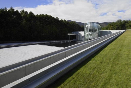 green design, green production facility, Japan green roof, torri gate, Zen modern design, sustainable design, green architecture