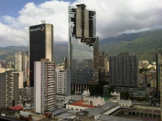 abandoned tower, Caracas residence, David tower, reclaimed building, Slumdog Superstructure, Venezuela Housing crisis, Venezuela shanty town
