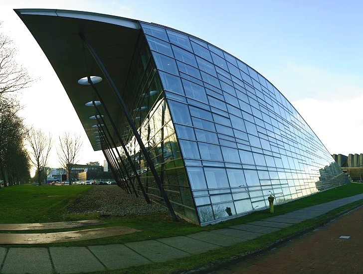 Mecanoo S Tu Delft Library Crowned With A Massive Green