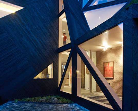 ooze architects, green architecture, green renovations, prefabricated architecture, prefab architecture, netherlands architecture, dutch architecture,  Eva Pfannes, residential renovations, dutch farmhouses, green design, eco-materials, green materials, lenotec, ACCOYA, green roofs, pitched roof houses