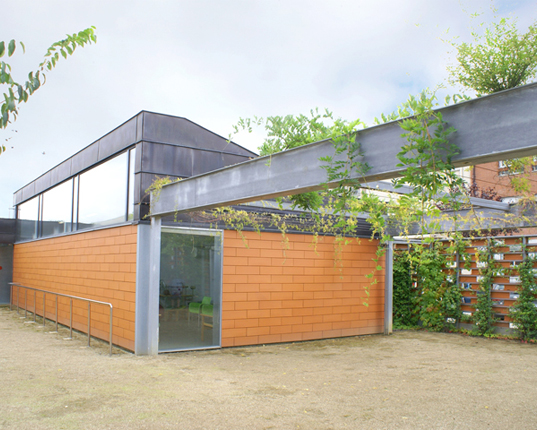 Cardedeu, Barcelona, f451 Arquitectura, green roof, ready-made materials, dry construction
