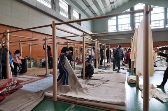 earthquake japan, japan local shelters, disaster relief shelter, Shigeru Ban Architects, modular shelters, green architecture, disaster relief architecture, temporary shelters, earthquake shelters, tsunami shelters, human aid