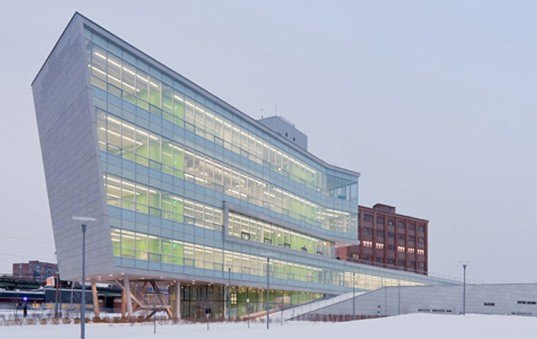 green design, eco design, sustainable design, Syracuse Center for Excellence, Toshiko Mori, Kinky Building, Energy efficient architecture, sustainable architecture, alternative climate control systems, green roof, holistic design solutions,
