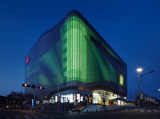 building skin, Daylighting, green building envelope, green mall, moire pattern, Taiwan Mall, translucent building skin, UN studio, UN studios