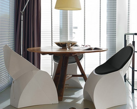 Green Furniture, YLiving, Flux Chair, Low Energy storage, eco design, Douwe Jacobs, Tom Schouten, origami furniture